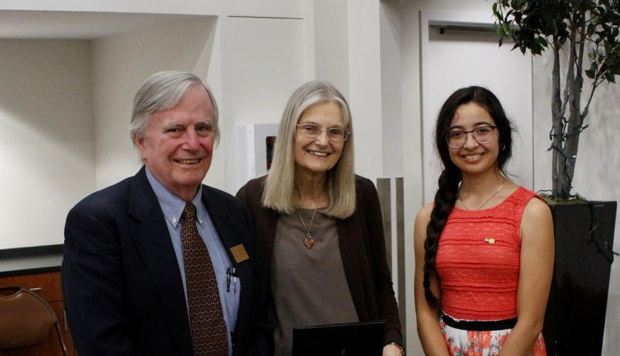 Retiring Honors Faculty are recognized at banquet by their student