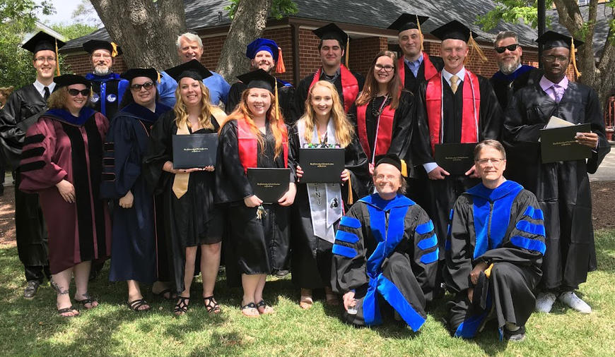Spring 2018 Graduation - History/SSE graduates and faculty