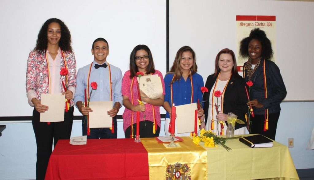 Sigma Delta Pi - Hispanic Honor Society 2014 Induction Ceremony