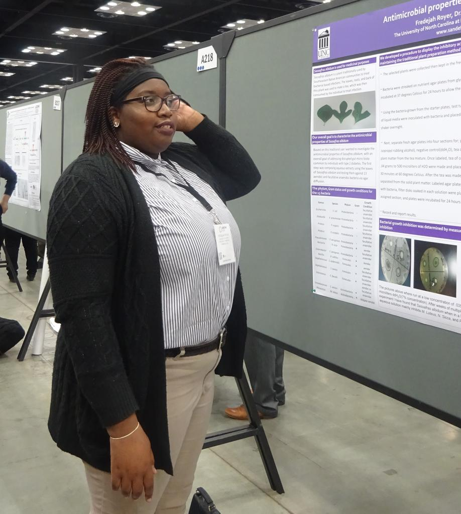 Fredejah Royer presenting her poster at ABRCMS 2018