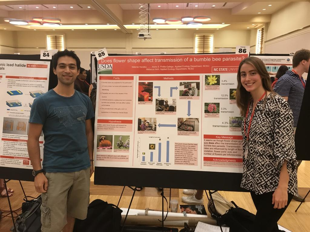 Simon Pinilla-Gallego and Melanie Handley present research poster